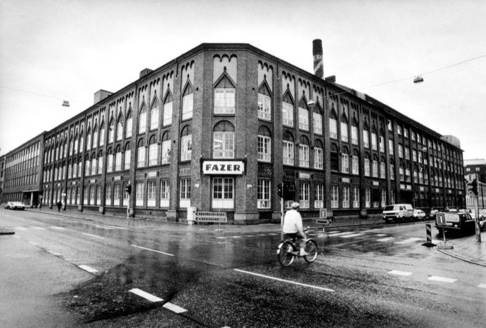 Chokladfabriken Fazer i Malmö tidigare Mazetti Fasaden mot Bergsgatan - Friisgatan Företag Fazer Malmö 1992   Mazetti Gator Bergsgatan Friisgatan